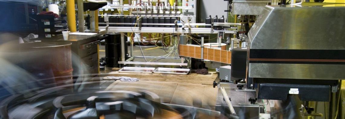 Ciągły przepływ w gniazdach i liniach produkcyjnych – redukcja zapasów produkcji w toku